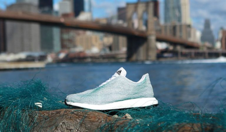 Adidas Shoes made from ocean plastic (Recycling)