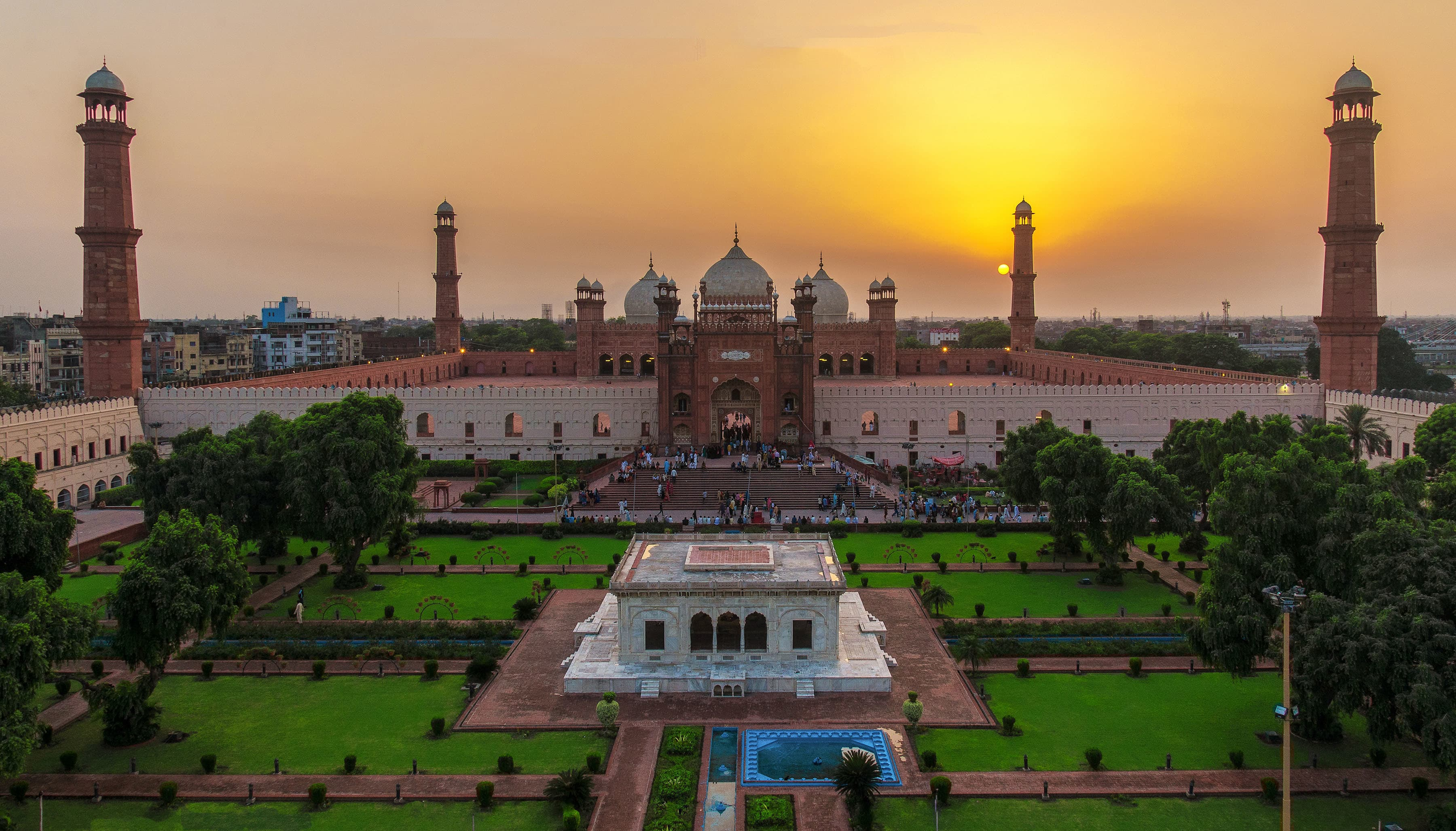 Top 10 Monuments from Pakistan You Must See – Lhe.io