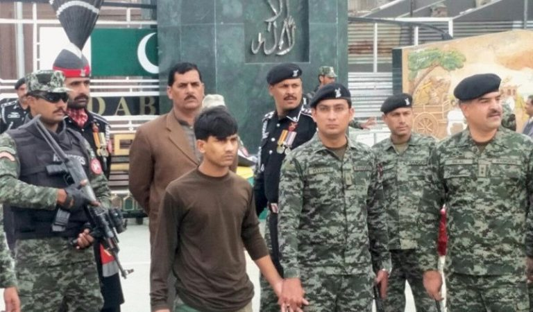 Pakistani Army Returned Indian Soldier To Indian Officials Safely